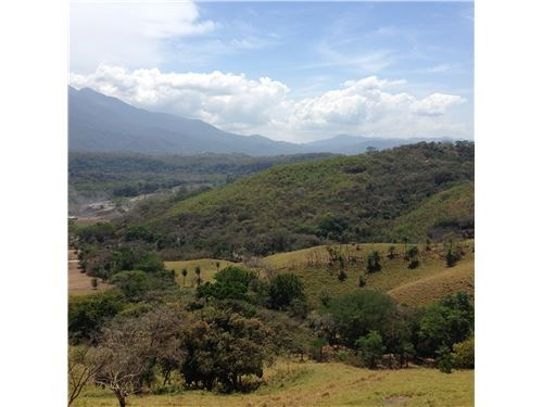 Remax real estate, Costa Rica, Orotina, Beautiful Countryside with Views Close to City
