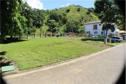 Remax real estate, Costa Rica, Herradura, Premier gated community near Los Suenos