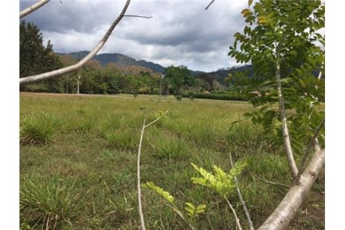 Remax real estate, Costa Rica, Agujas, Lot in gated community in Agujas