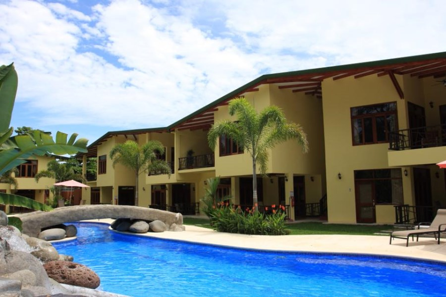 Remax real estate, Costa Rica, Jaco, Beautiful condo walking distance to the beach and close to town!