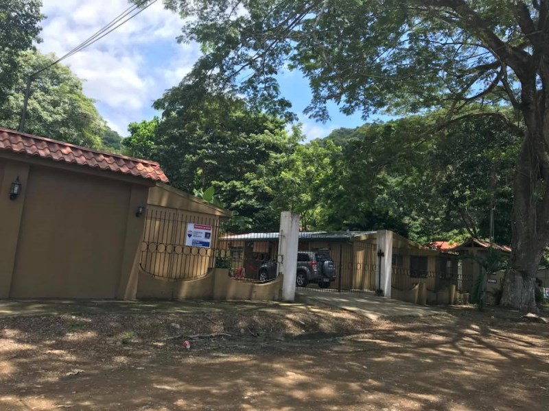 Remax real estate, Costa Rica, Puntarenas, 11 Apartments with Pool walking distance to the beach - South of Jaco Beach