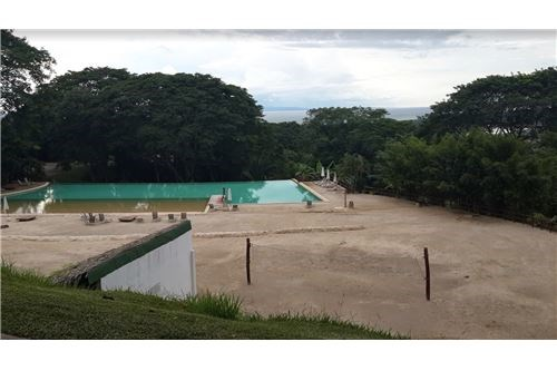 Remax real estate, Costa Rica, Tarcoles, 2.833 mt2 Lot for sale - Exclusive gated community