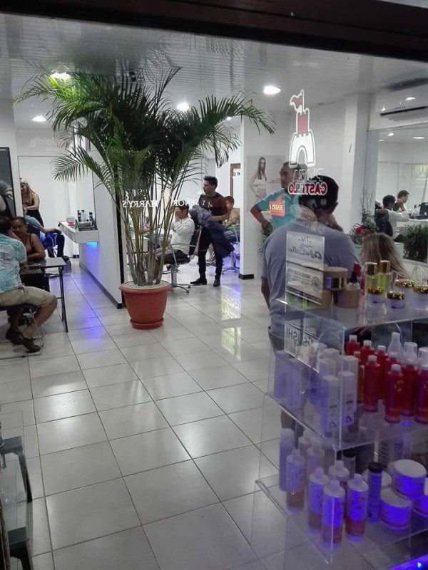 Remax real estate, Costa Rica, Puntarenas, Premium beauty salon for sale downtown Jacó!