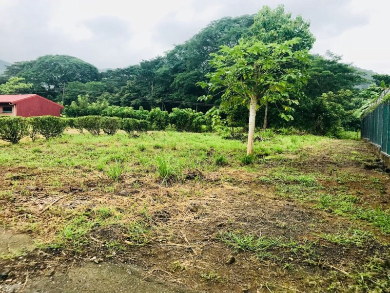 Remax real estate, Costa Rica, Punta Leona, Flat lot in residential neighborhood 15 minutes from Playa Mantas