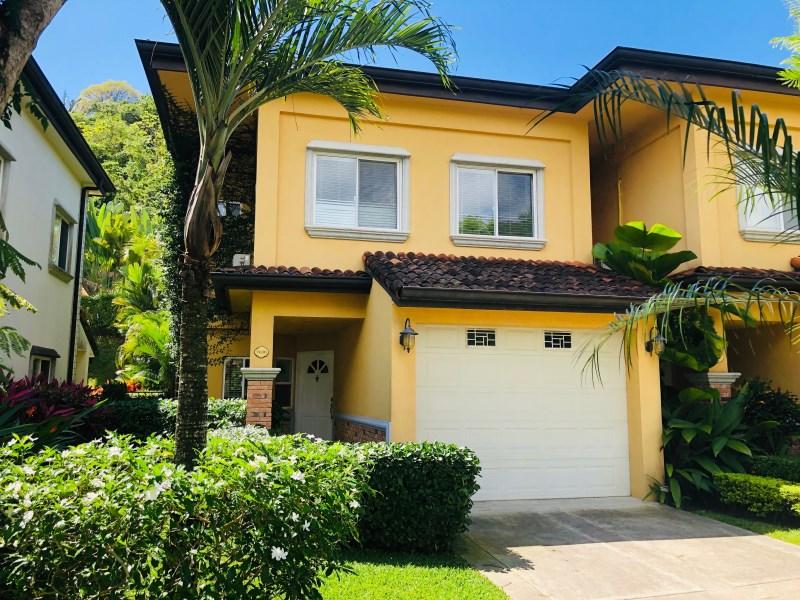 Remax real estate, Costa Rica, Herradura, Three bedroom Las Nubes Townhouse in Herradura, 5 min from to Los Sueños Resort