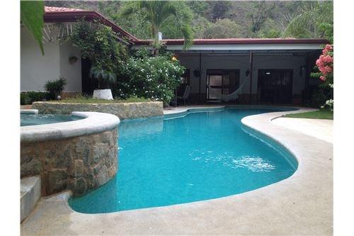 Remax real estate, Costa Rica, Pueblo Nuevo, Resort-style villa for BnB or residence |10 mins Jaco