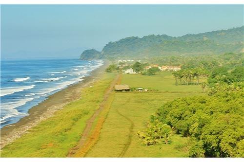 Remax real estate, Costa Rica, Hermosa Beach, Costa Rica Beachfront Property in Playa Hermosa