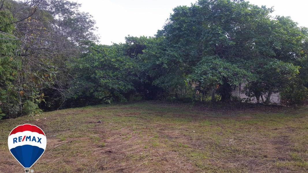 Remax real estate, Costa Rica, Esterillos, Villa Xihu Lot for home great views
