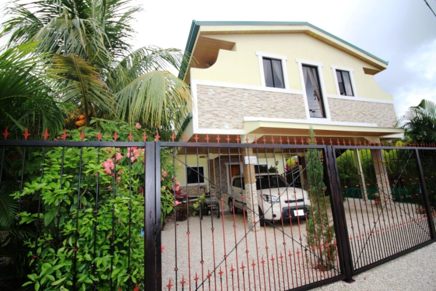 Remax real estate, Costa Rica, Jaco, Jaco Home w. Lock off Apartment and Lock off Condo, Centrally Located