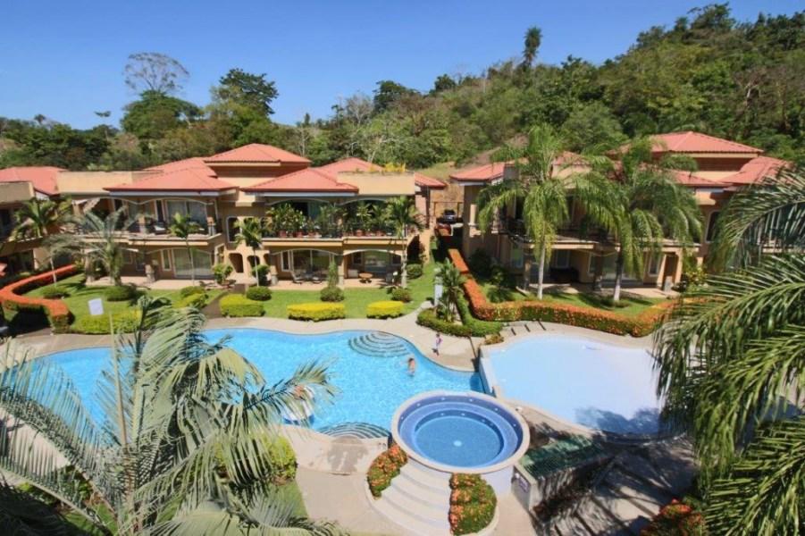 Remax real estate, Costa Rica, Herradura, 3 Bdrm w. rooftop terrace CONDO, Herradura, Jaco Area, FIRESALE PRICE, BEAUTIFUL CONDO