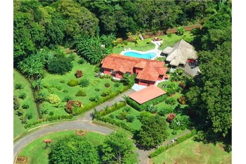 Remax real estate, Costa Rica, Esterillos, Large Property with Cozy House in Esterillos.