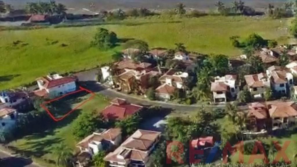 Remax real estate, Costa Rica, Hermosa Beach, lot near the Beach