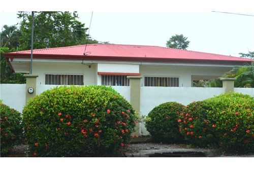 Remax real estate, Costa Rica, Jaco, House with Pool Close to the Beach