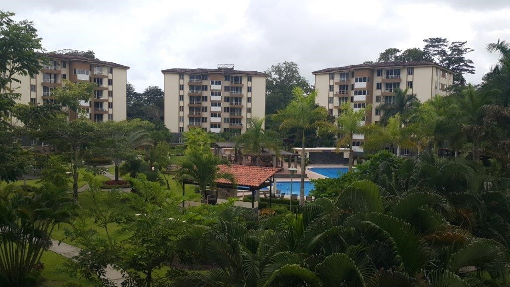 Remax real estate, Costa Rica, Jaco, Fully Furnished Pool View Costa Linda Condominium