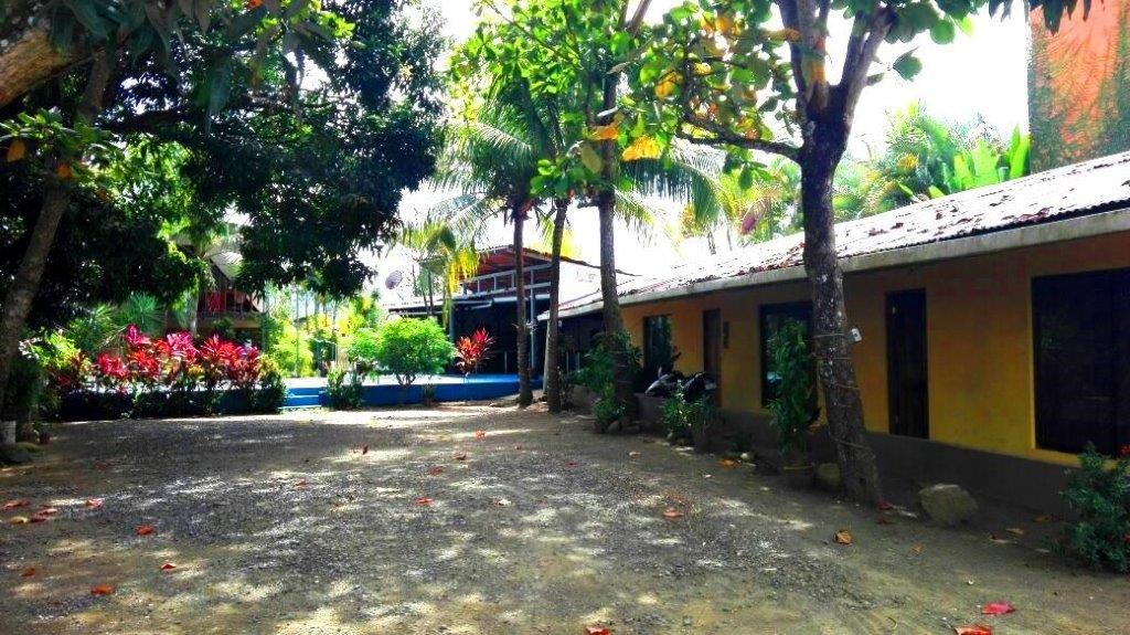 Remax real estate, Costa Rica, Puntarenas, JACO Multifamily B & B beach walk disatance