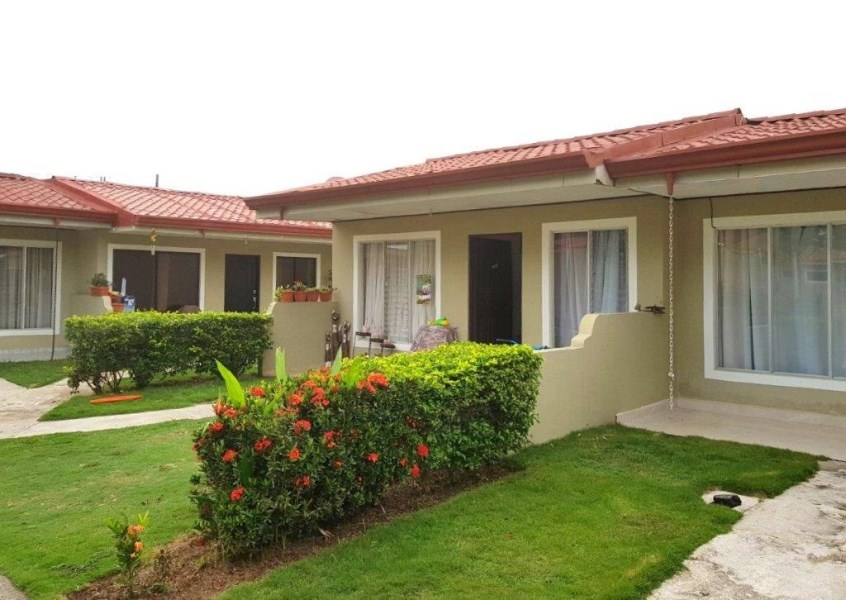 Remax real estate, Costa Rica, Jaco, Jaco 2 bedroom condo  beach walking distance