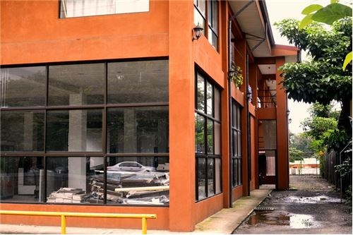 Remax real estate, Costa Rica, Puntarenas, Commercial Buildig with 14 apartments