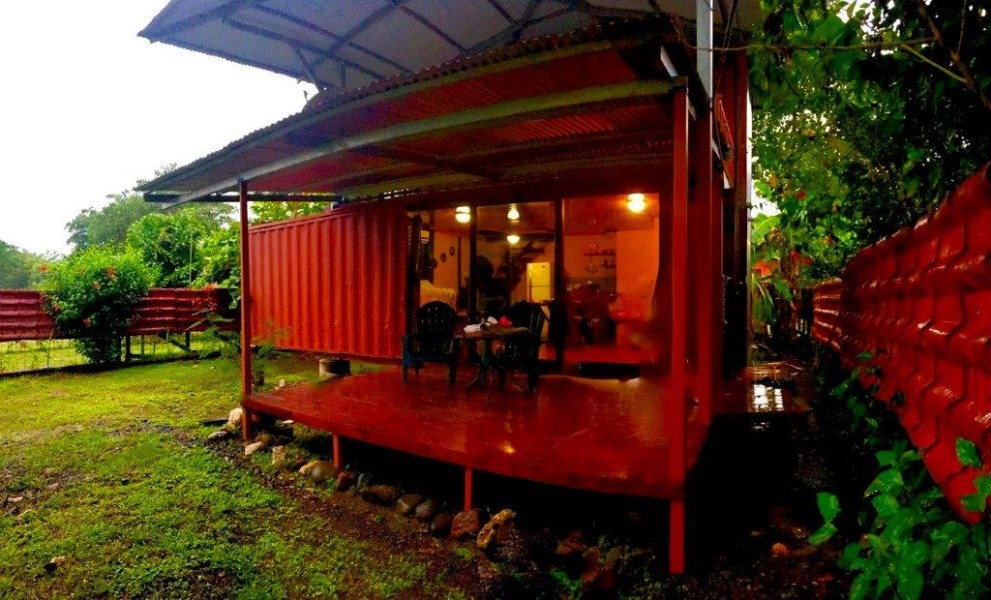 Remax real estate, Costa Rica, Puntarenas, Tiny House 3 container two storey one bedroom