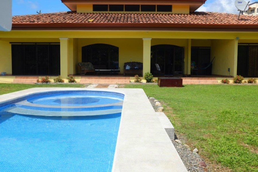 Remax real estate, Costa Rica, Bejuco, New House in large lot close to beaches