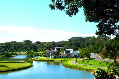 Remax real estate, Costa Rica, Hermosa Beach, Lot with Excellent Location by the  Lake