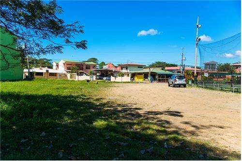 Remax real estate, Costa Rica, Puntarenas, COMMERCIAL / RESIDENTIAL LOT Downtown Jaco