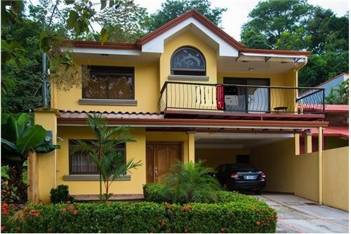 Remax real estate, Costa Rica, Punta Leona, 5 bedroom house close to the Beach
