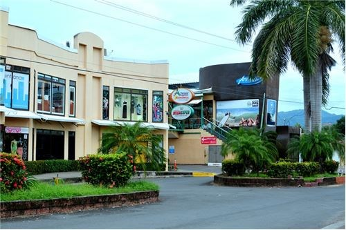 Remax real estate, Costa Rica, Puntarenas, Rented Retail Space in Down Town Jaco