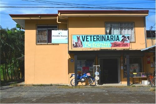 Remax real estate, Costa Rica, Herradura, Commercial property on main road close to Marina