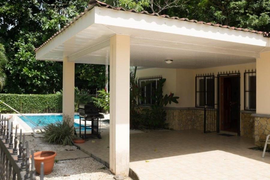 Remax real estate, Costa Rica, Herradura, Herradura two bedroom house close to Marina Los Sueños
