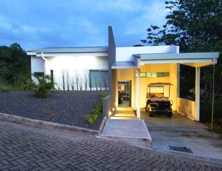 Remax real estate, Costa Rica, Punta Leona, Great Mountain View House Villa Leona