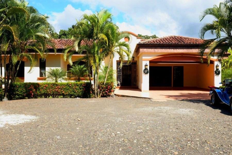 Remax real estate, Costa Rica, Esterillos, Esterillos Este large lot with 3 Bedroom House