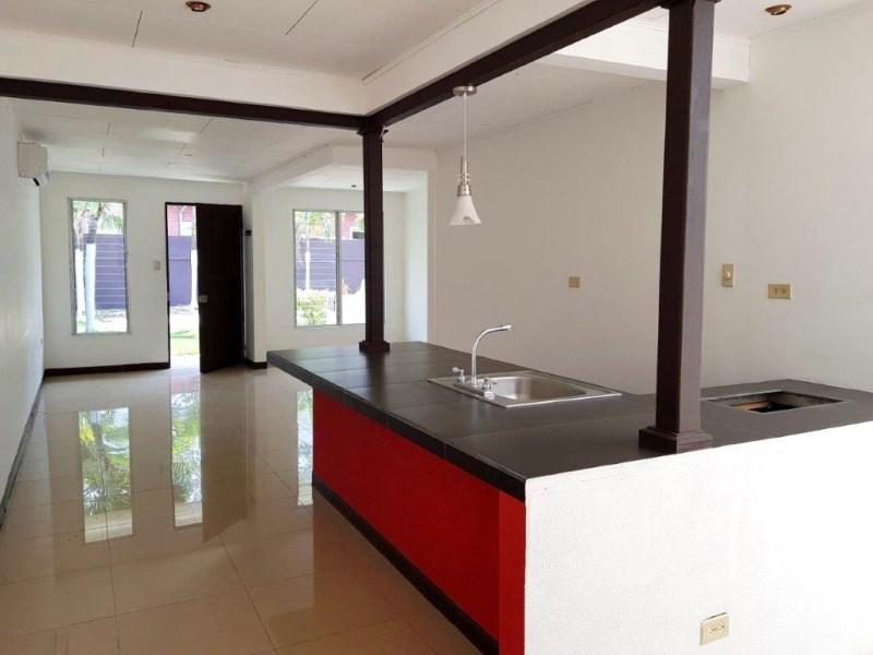 Remax real estate, Costa Rica, Jaco, Jaco  Studio condo  beach walking distance