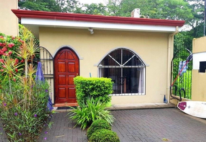 Remax real estate, Costa Rica, Puntarenas, Punta Leona area one bedroom Casita
