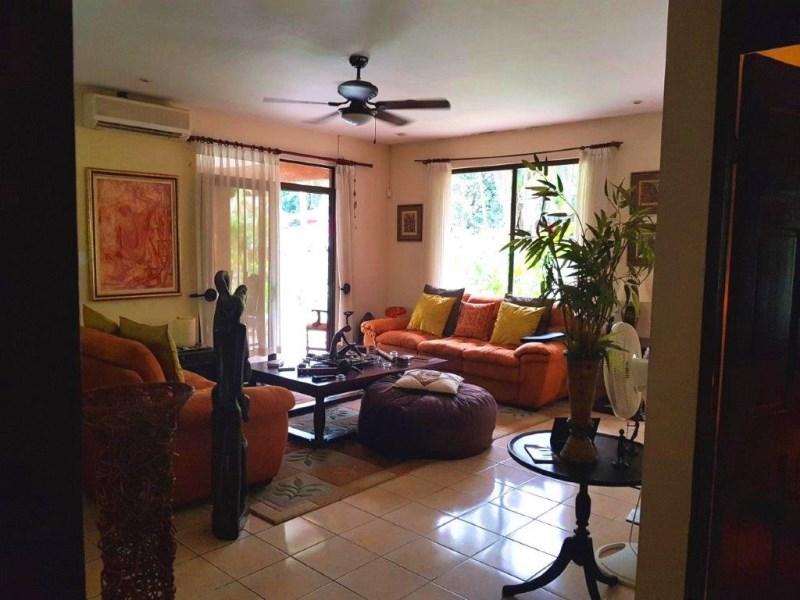 Remax real estate, Costa Rica, Herradura, Herradura very nice 3 bedroom house fully furnished