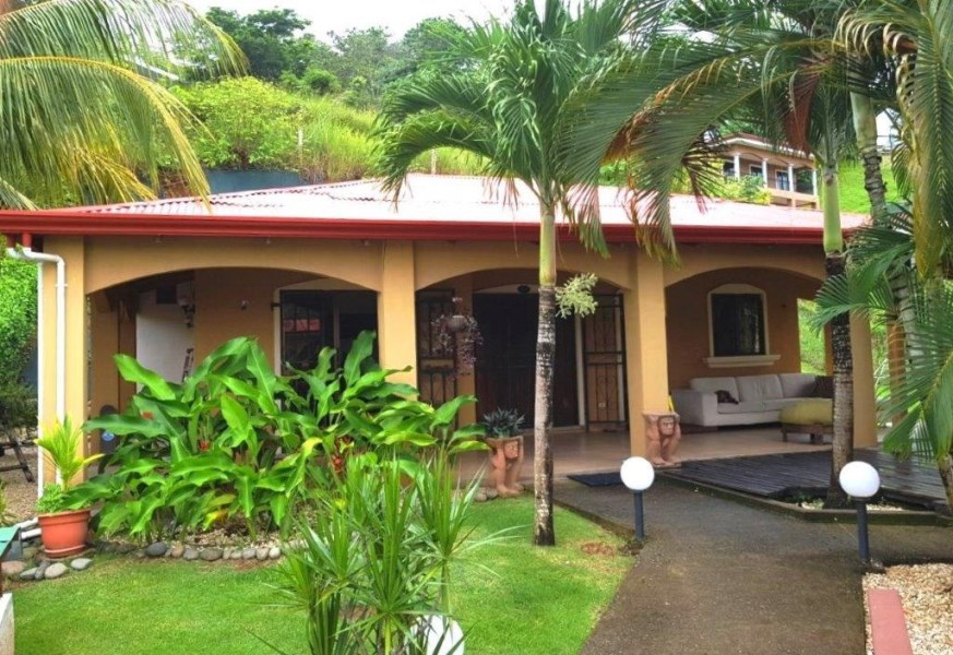 Remax real estate, Costa Rica, Hermosa Beach, Hermosa 3 bedroom house with private access