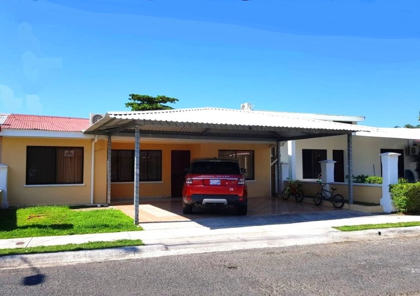 Remax real estate, Costa Rica, Jaco, Jaco Beach walking distance Gated House