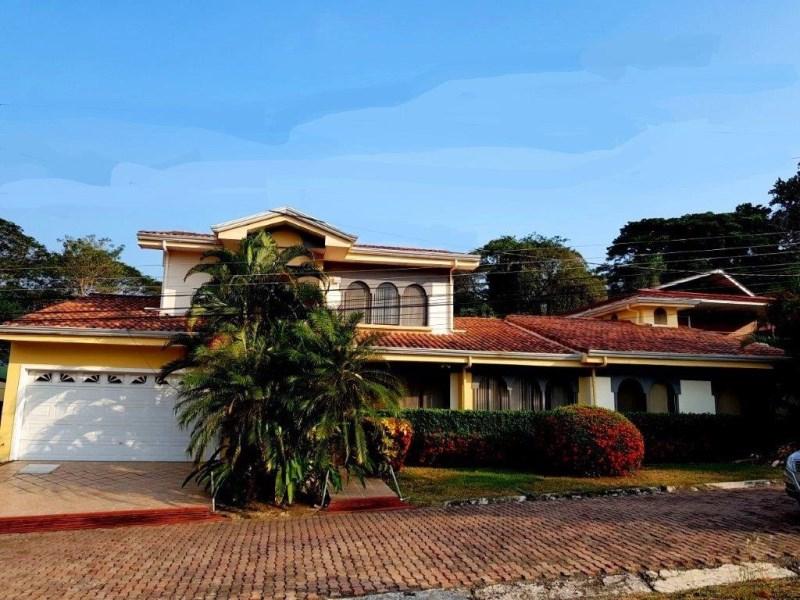 Remax real estate, Costa Rica, Punta Leona, Punta Leona 4 bedroom 4 bath House walking distance to the beach