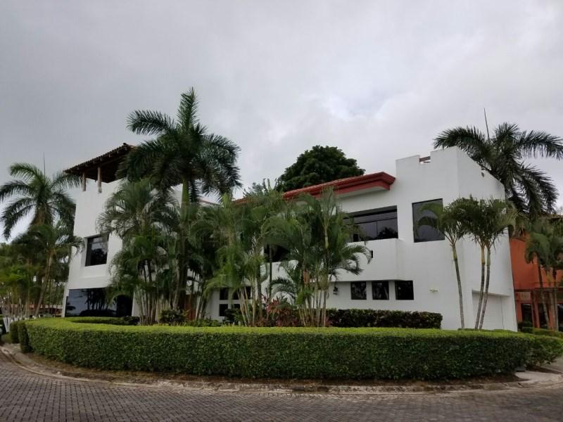 Remax real estate, Costa Rica, Hermosa Beach, Beachfront Luxury Home in Playa Hermosa Costa Rica