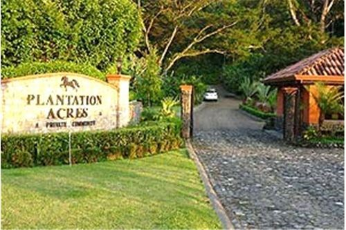 Remax real estate, Costa Rica, Agujas, Ocean view lot.. Resale at Plantation Acres