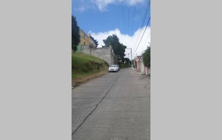 Remax real estate, Guatemala, Road to El Salvador,