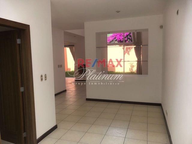 Remax real estate, Guatemala, Santa Catarina Pinula,
