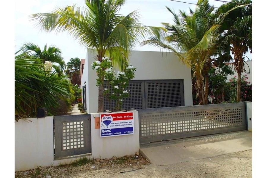 RE/MAX real estate, Bonaire, Kralendijk, Must See Innovative Home