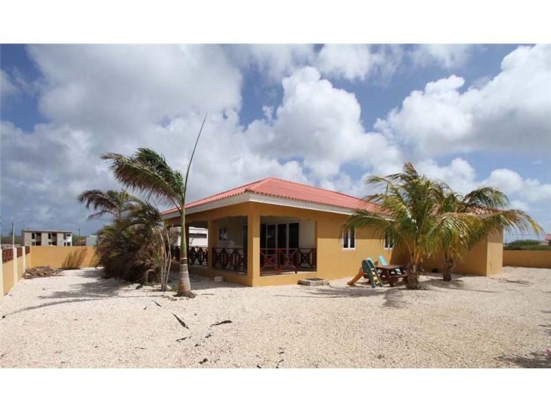 RE/MAX real estate, Bonaire, Belnem, Charming Family Home