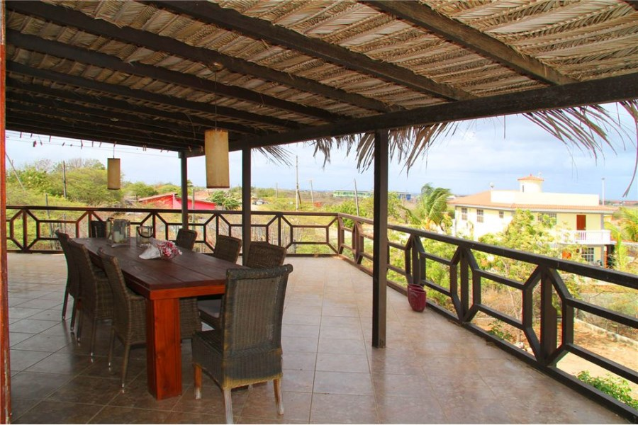 RE/MAX real estate, Bonaire, Nawati, Spacious Family Home with Ocean and Island Views