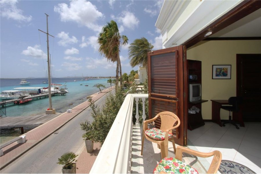 RE/MAX real estate, Bonaire, Kralendijk, Oceanfront Apartment