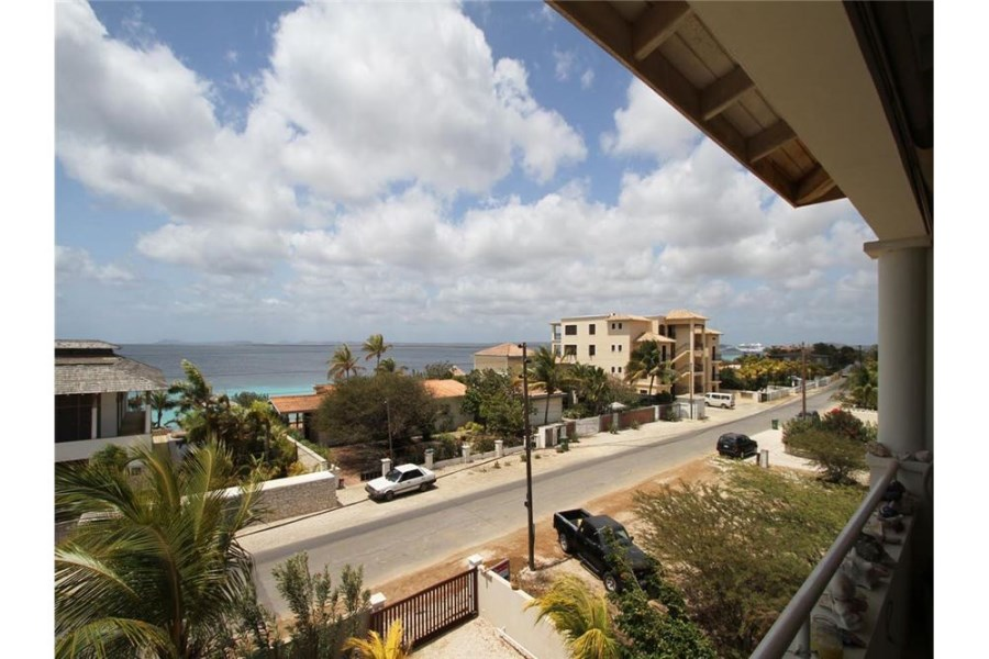 RE/MAX real estate, Bonaire, Belnem, Ocean view apartment in Belnem