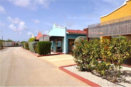 RE/MAX real estate, Bonaire, Tera Cora, Regatta Residence