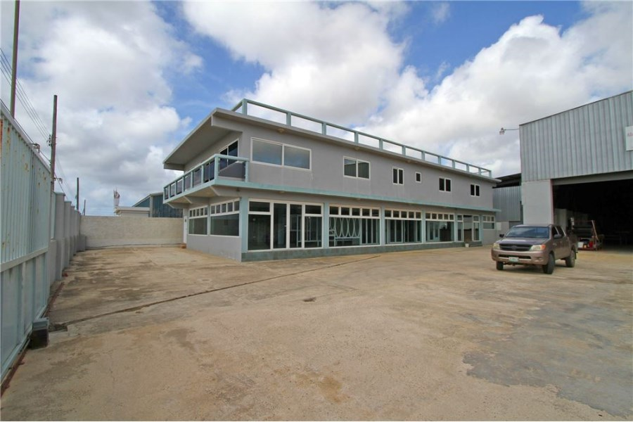 RE/MAX real estate, Bonaire, Kralendijk, Large Commercial Property with Luxurious Apartment