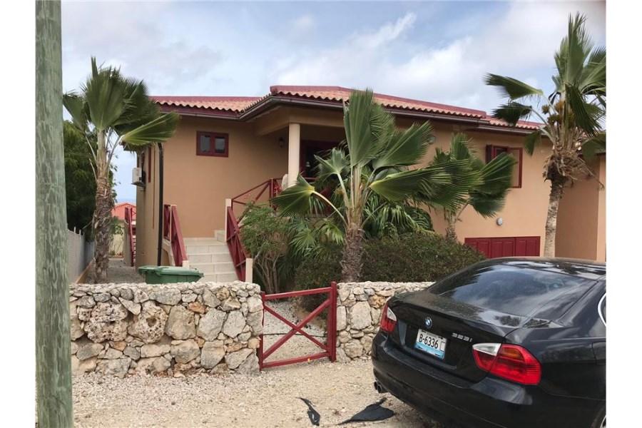 RE/MAX real estate, Bonaire, Santa Barbara, Unfurnished long term rental 3 bedrooms, 2.5 baths