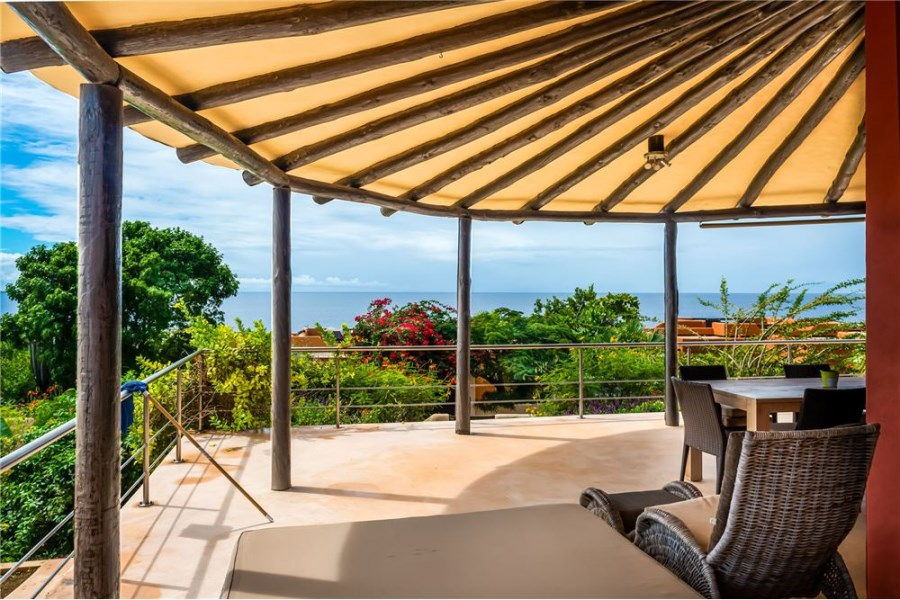 RE/MAX real estate, Bonaire, Sabadeco, Villa with Ocean Views and separate apartment